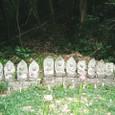 岩屋山の石仏群(小木)