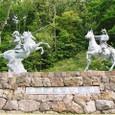 騎馬武者の像