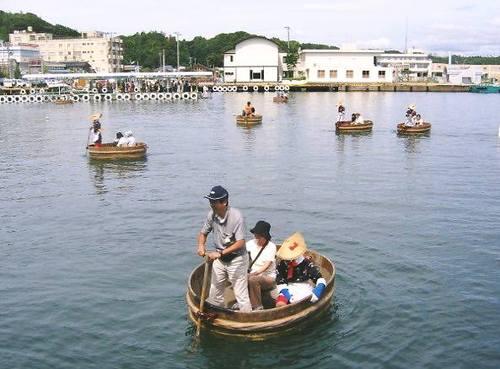 たらい舟(小木)