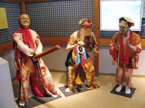 つぶろさし(赤泊文化会館)