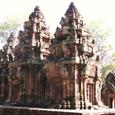 カンボジア・バンテアィ・スレイ
