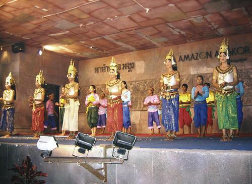 カンボジア・アプサラの踊り