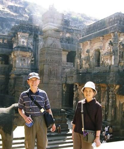インド・エローラの石窟寺院群